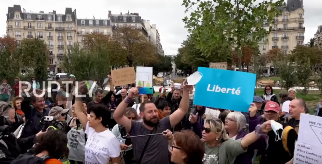Covid protest in Paris
